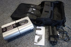ResMed S9 CPAP Machine w/ Humidifier and Case. Excellent Condition. for Sale in Bellevue, WA