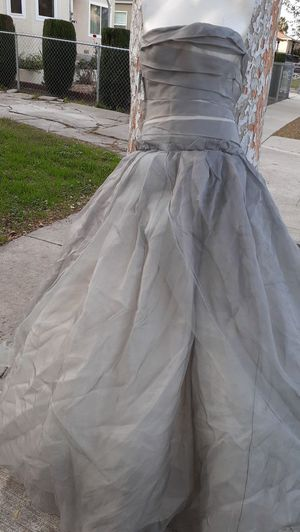 Vera Wang charcoal strapless ball gown dress Shear gray organza Ivory Overlay size 0 Prom Wedding Qquinceanera formal Bridal bride Bridesmaid TLC 4 for Sale in Los Angeles, CA