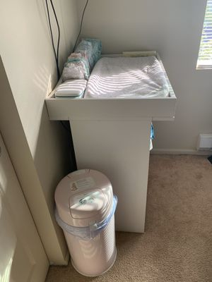 Changing table and pad for Sale in Des Moines, WA