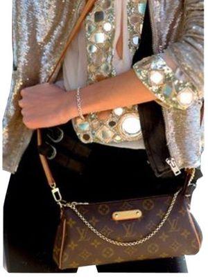 Eva clutch bag crossbody 🤭 for Sale in Tempe, AZ