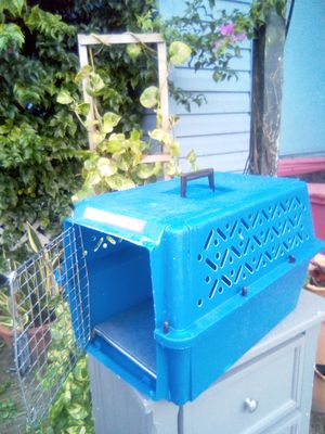Cat cage or dog cage in perfect condition for Sale in Palm Springs, FL