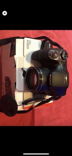 Sony Cyber Shot Camera (DSC H300) for Sale in Meriden, CT