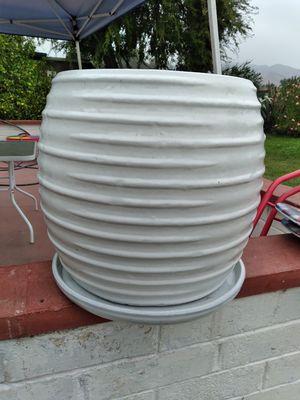 """New Planting Pot """"Cora Planter White 17.7in."""" $80$ ObO😷 for Sale in San Bernardino, CA"""