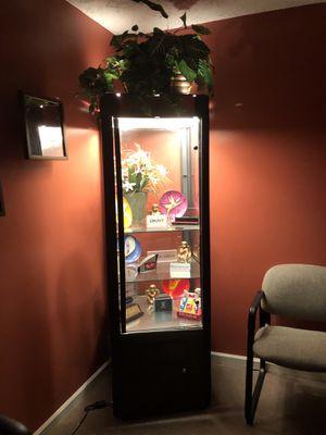 Single Door, Glass Display Cabinet w/ Lockable Storage (Item# O-47) for Sale in Atlanta, GA