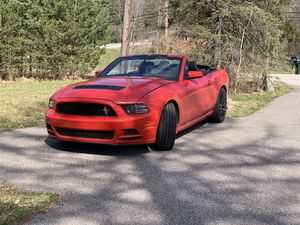Ford Mustang Premium v6 for Sale in Northfield, OH