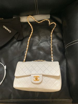 Authentic white Chanel bag for Sale in Gahanna, OH