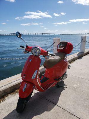 Vespa Primavera 150 cc for Sale in Miami, FL