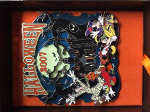 Disney limited edition large glow in the dark Halloween collectible pin 2007 for Sale in Carver, MA