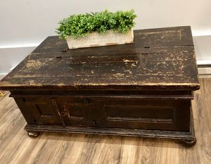 Shabby Chic Rustic Coffee Table Storage Chest for Sale in San Marcos, CA