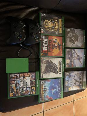 Xbox one bundle NO CONSOLE for Sale in Miami, FL