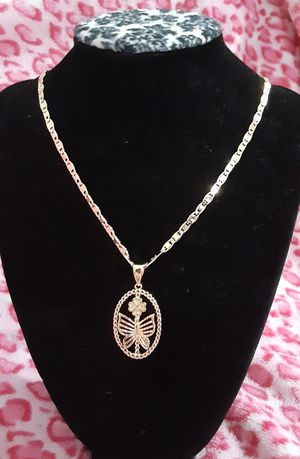 Gold plated chain with the pendant/Cadena con dije de mariposa for Sale in Houston, TX