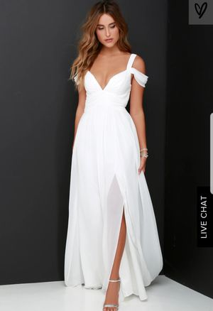 White chiffon Size M dress brand new with tags for Sale in Redmond, WA