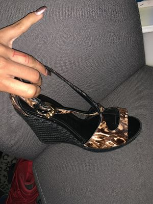 Pair of Burberry heels for Sale in UPPER ARLNGTN, OH