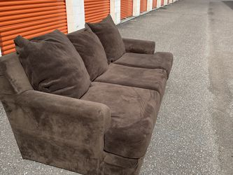 Large Couch for Sale in Tampa,  FL