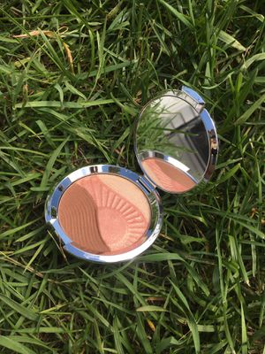 BECCA highlighter for Sale in Walker, MN