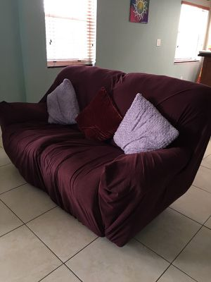 Recliner Couch for Sale in Hialeah, FL