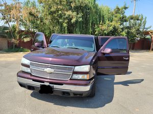2006 chevy silverado for Sale in Modesto, CA