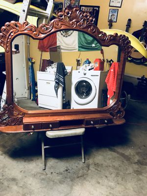 Antiqued mirror for Sale in Pico Rivera, CA