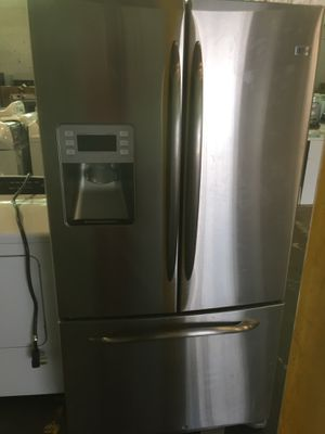GE French door Stainless Steel Refrigerator for Sale in Decatur, GA