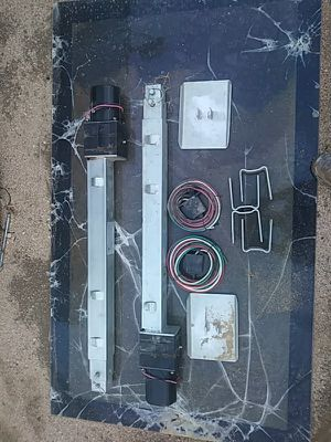 "Trailer jacks "" Electric"" for Sale in Victorville, CA"