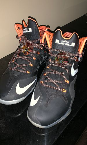 LEBRON XI - Gold - Mango Colorway Size 13 for Sale in Knoxville, TN