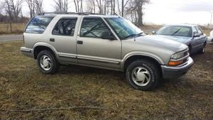 98 Chevy Blazer 4x4 for Sale in Ontario, OH