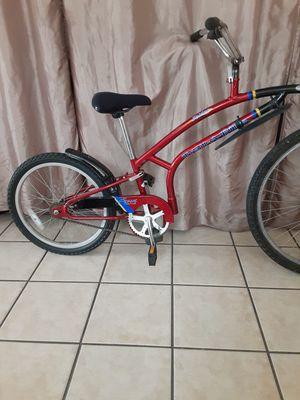 Adams trail a bike for Sale in Chula Vista, CA