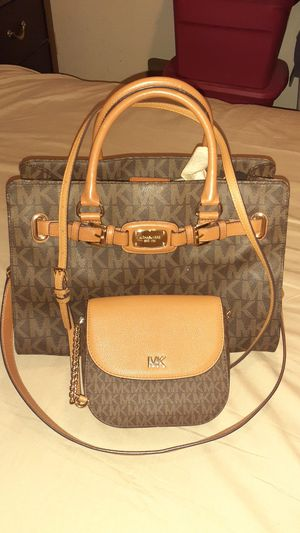 Michael kors boundle purses for Sale in Fresno, CA