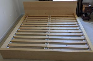 King size bed frame for Sale in Riverwoods, IL
