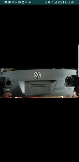 2008 Volkswagen Jetta trunk lid(fits from 2005 to 2010) for Sale in Philadelphia, PA