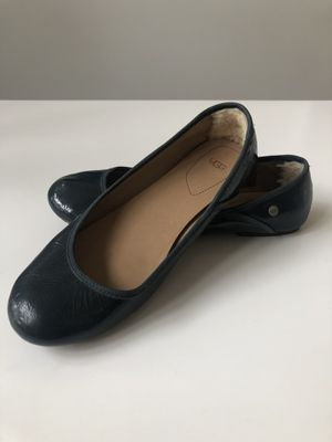 UGG Antora Navy Blue Patent Leather Sz 10 for Sale in South Lyon, MI