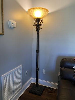 Decorative floor lamp for Sale in Port St. Lucie, FL