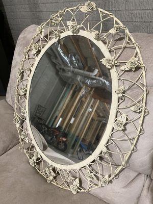 Beautiful Oval Mirror for Sale in Hampton, GA