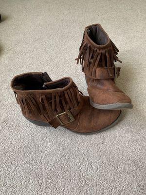 Ladies size 6 brown fringe booties for Sale in Easley, SC