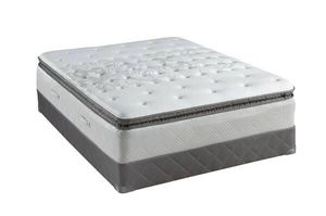 Sealy Mattress/Bed and Boxspring for Sale in Roanoke, VA