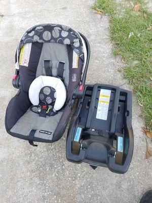 Infant car seat, play pen for Sale in Union Park, FL
