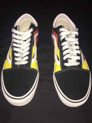 vans old skool flames size 9.5 in men's for Sale in Merced, CA