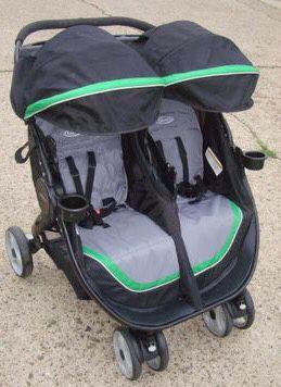 Graco size by side double stroller for Sale in Philadelphia, PA