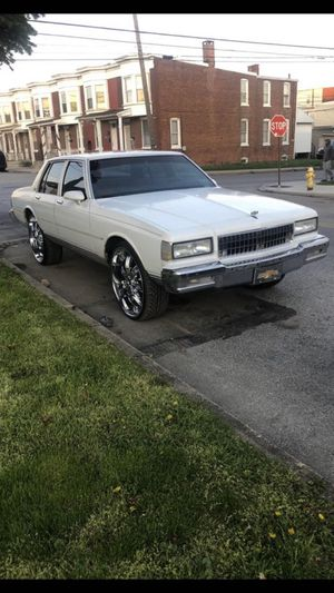1990 Chevy caprice old school box for Sale in York, PA