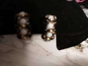 Beaded clip earrings black white and gold for Sale in NEW PRT RCHY, FL