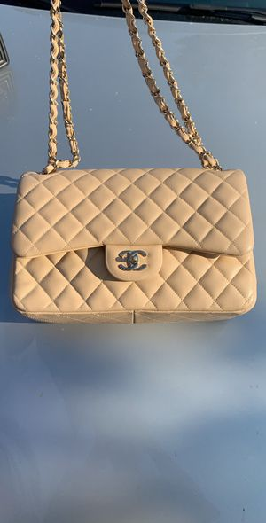 Chanel Quilted Jumbo Bag for Sale in Los Angeles, CA