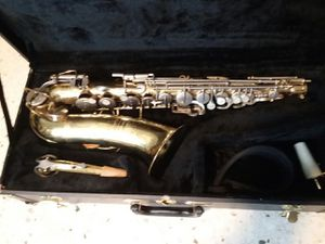 Buescher Aristocrat alto sax for Sale in Irving, TX