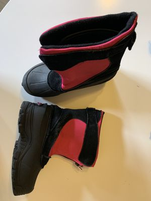 Girls size 3 north side snow boots for Sale in Renton, WA
