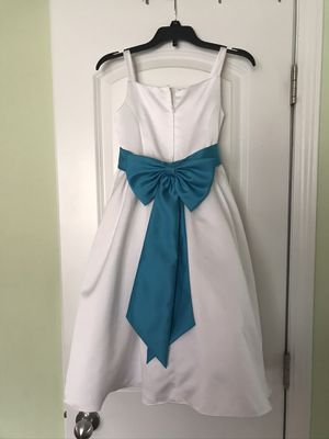 David's Bridal flower girl dress with removable sash size 6x for Sale in Mebane, NC
