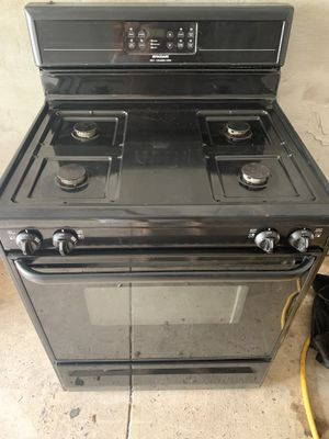 Black Gas Frigidaire Self Cleaning Oven for Sale in Philadelphia, PA