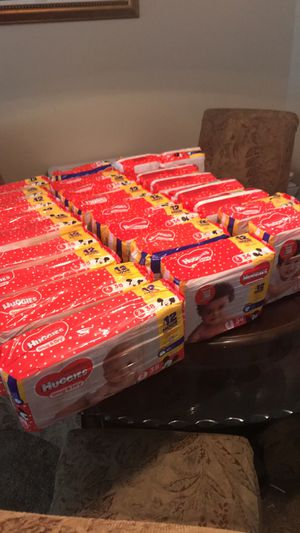Huggies sz 1-3 and 5 for Sale in Austell, GA