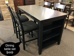 New Beautiful solid dining table set for Sale in Fresno, CA