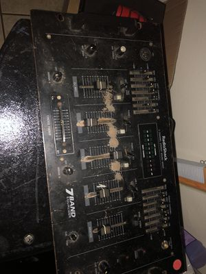 Audio mixer board and speakers for Sale in West Mifflin, PA
