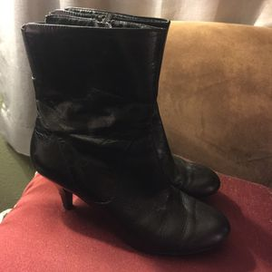Nine west womens boots for Sale in Goodyear, AZ