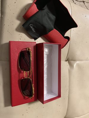 CARTIER SUNGLASSES PANTHERÈ COLLECTION COMES WITH BOX and GLASS WIPE for Sale in Everett, MA